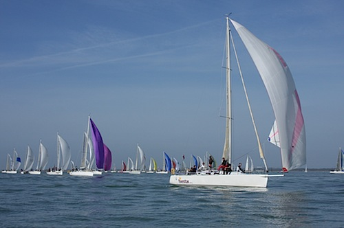 beth-leads-the-j109-fleet.jpg
