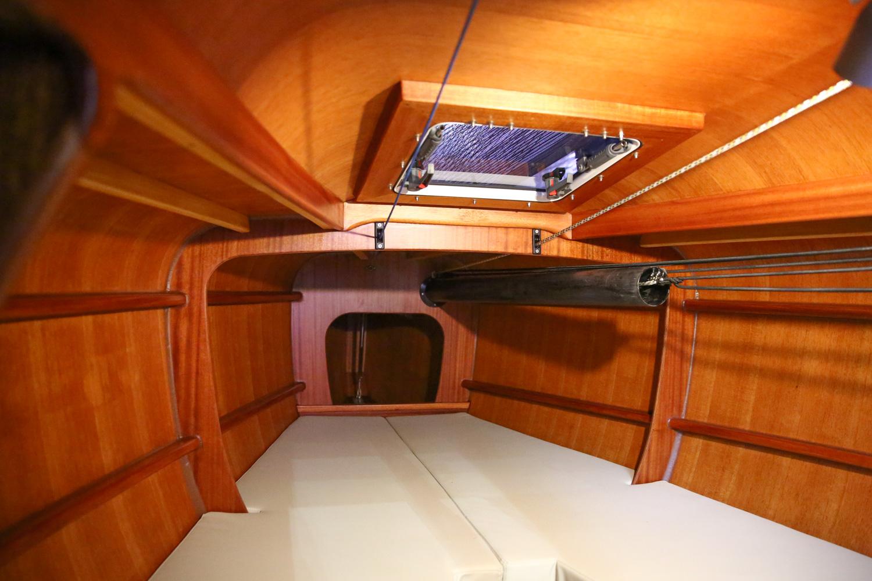 boot16-la28-interior
