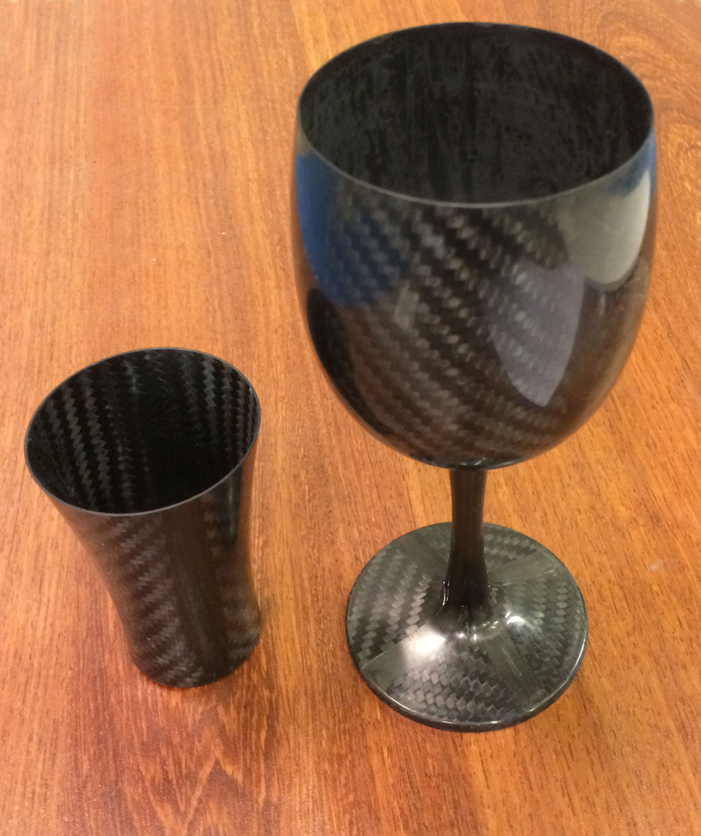 Wine and shot glass in carbon