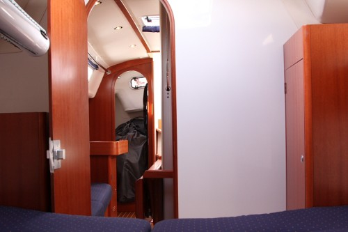 J/109 interior