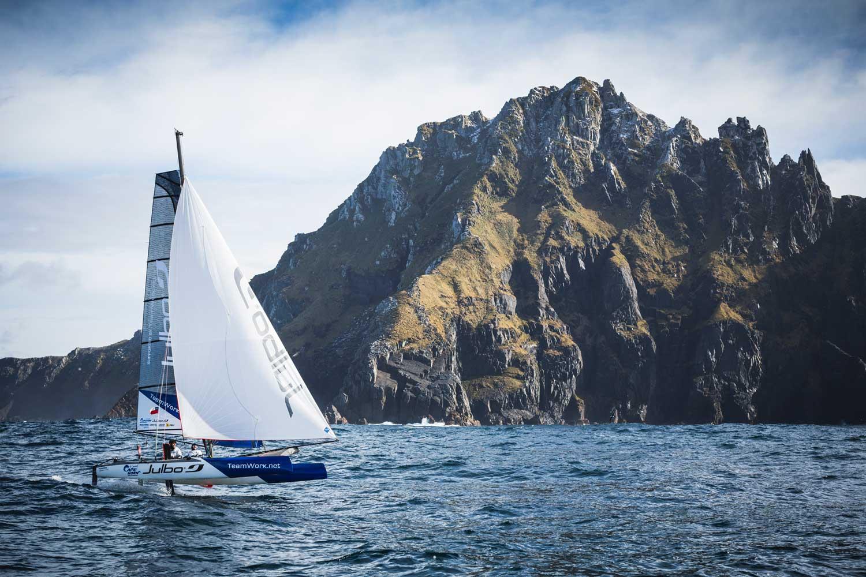 Franck Cammas foilar runt Kap Horn