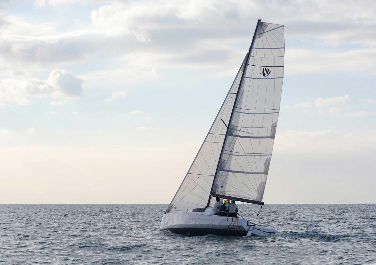 seascape24-sailing1