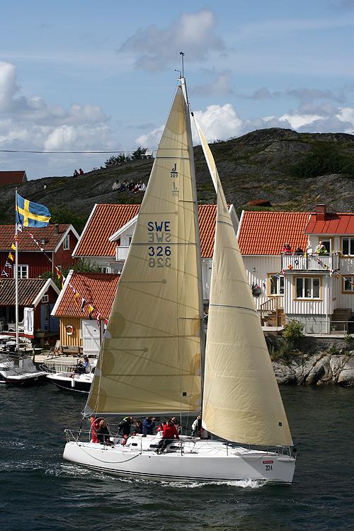 J/109 Blur Tjörn Runt