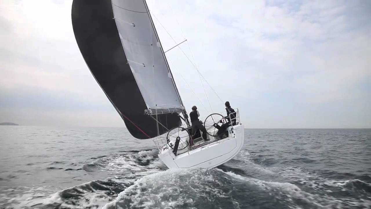 Yachting World kollar in Dufour 36P